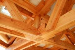 Těžký dřevěný skelet